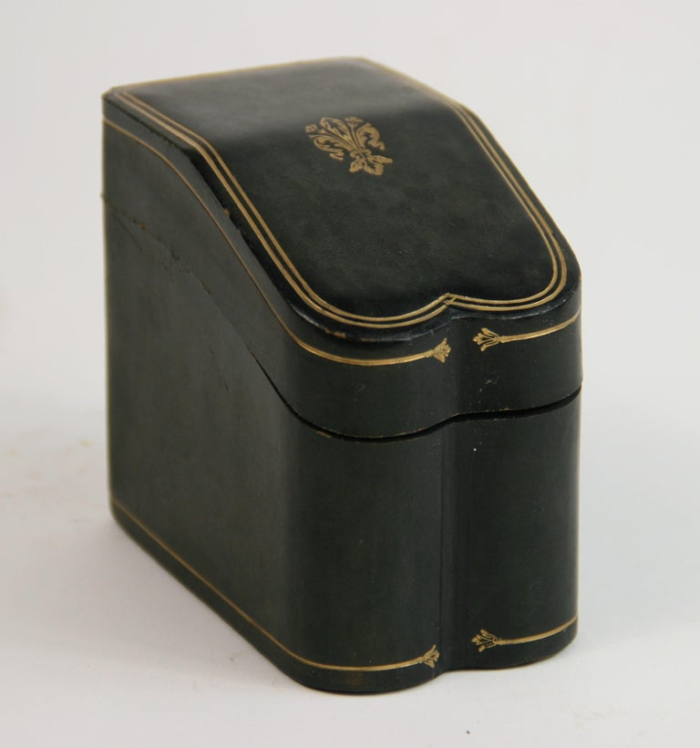 Italian Leather Two Deck Card Box In Good Condition For Sale In Douglas Manor, NY