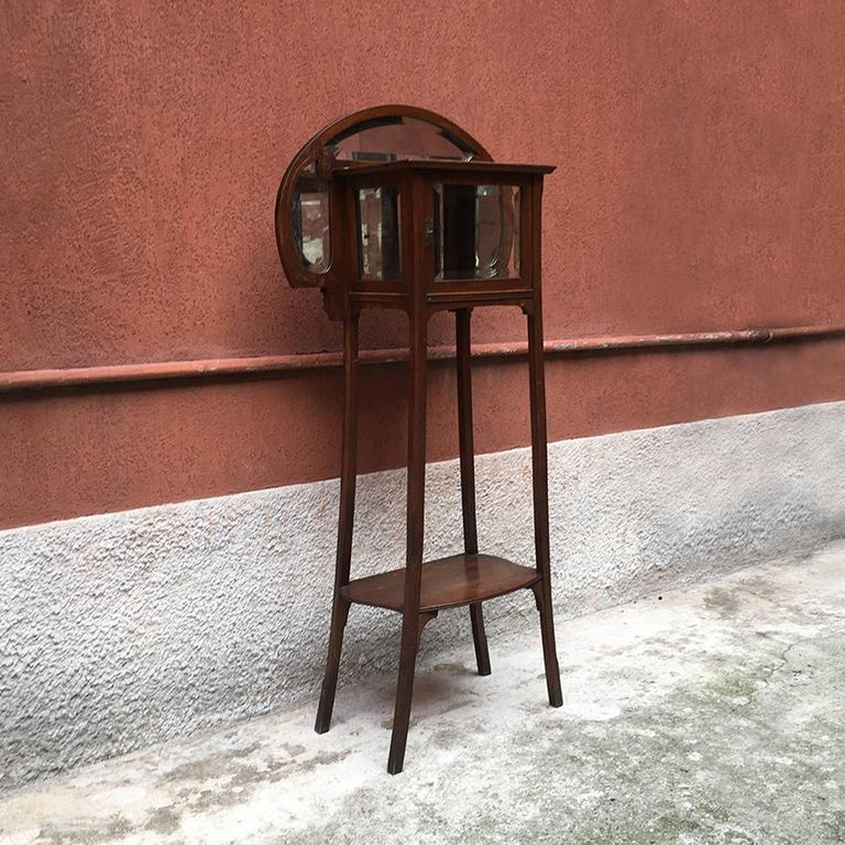 Italian Liberty Walnut Étagère with Showcase, Late 1800-Early 1900 For Sale 6