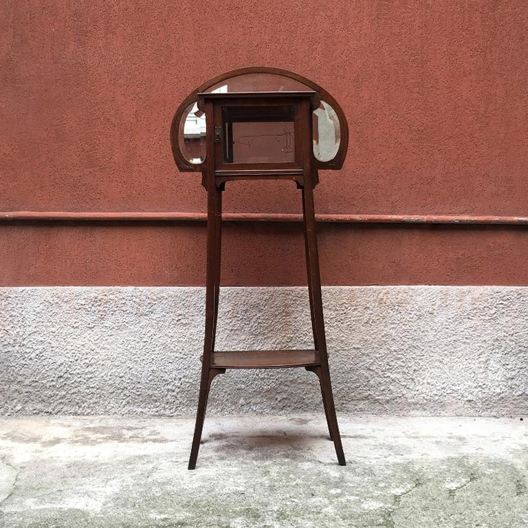 19th Century Italian Liberty Walnut Étagère with Showcase, Late 1800-Early 1900 For Sale