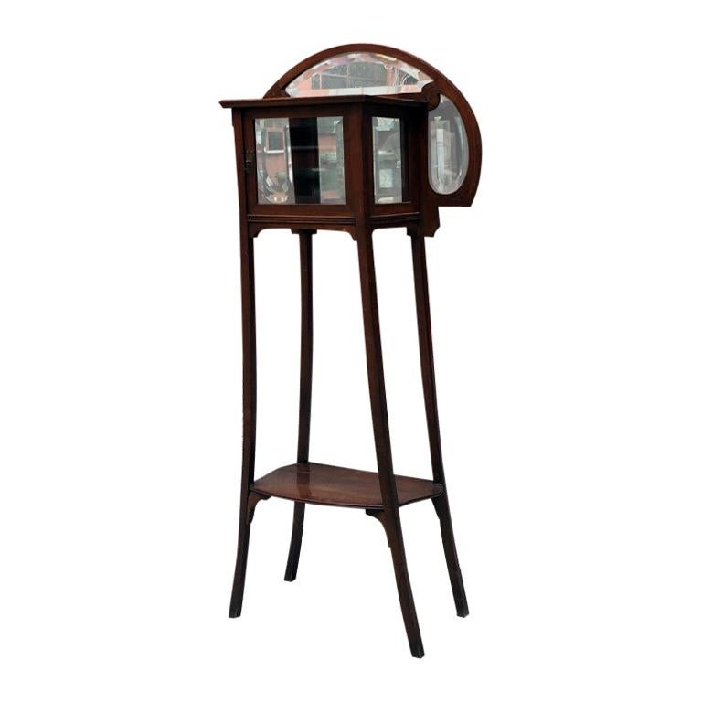 Italian Liberty Walnut Étagère with Showcase, Late 1800-Early 1900 For Sale
