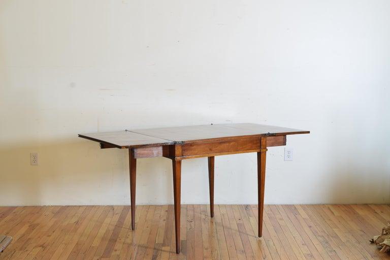 Italian, Lombardy, Directoire Cherrywood Folding Games Table, circa 1810 In Good Condition For Sale In Atlanta, GA