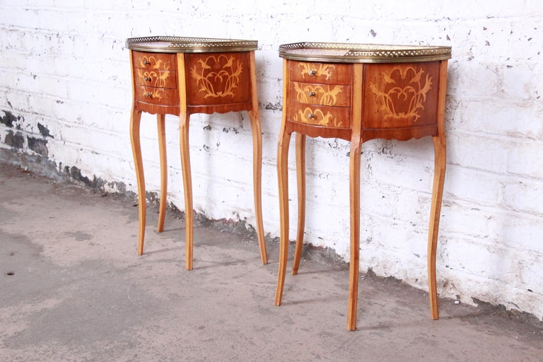 Italian Louis XV Inlaid Marquetry Mahogany Brass Gallery Demilune Nightstands In Good Condition For Sale In South Bend, IN