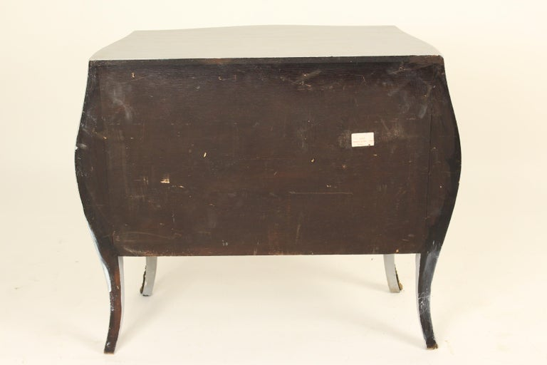 Italian Louis XV Style Painted Chest of Drawers For Sale 5