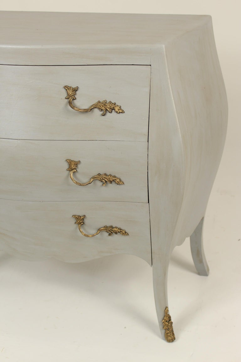 Italian Louis XV Style Painted Chest of Drawers For Sale 1