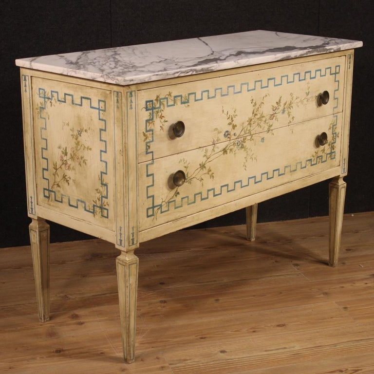 20th Century Italian Louis XVI Style Chest of Drawers in Lacquered and Painted Wood For Sale
