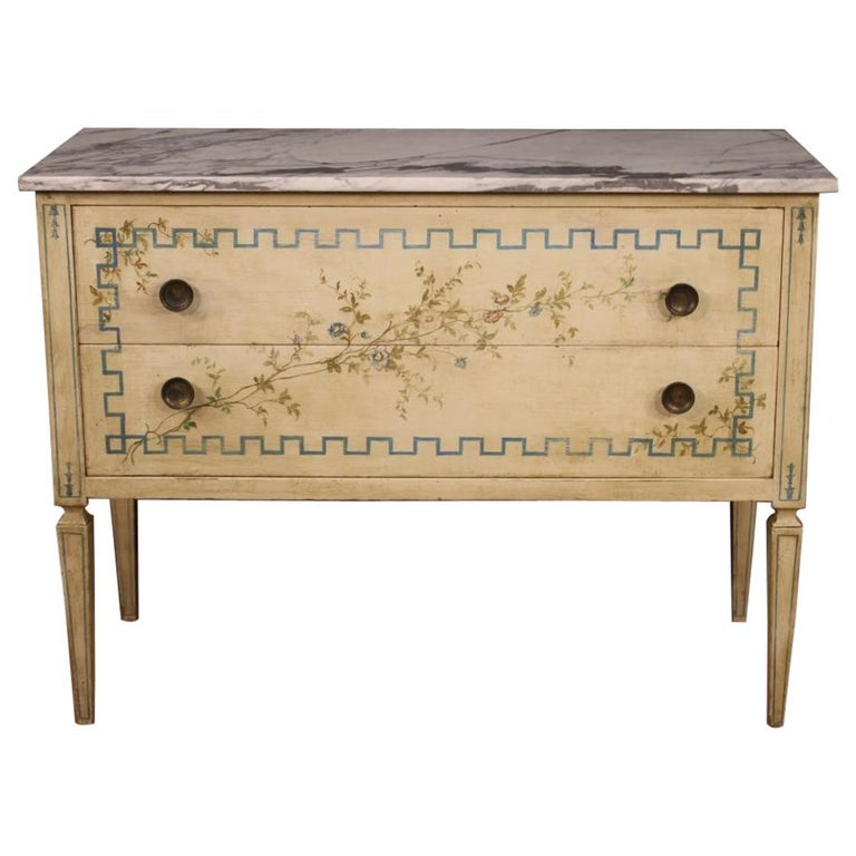 Italian Louis XVI Style Chest of Drawers in Lacquered and Painted Wood For Sale