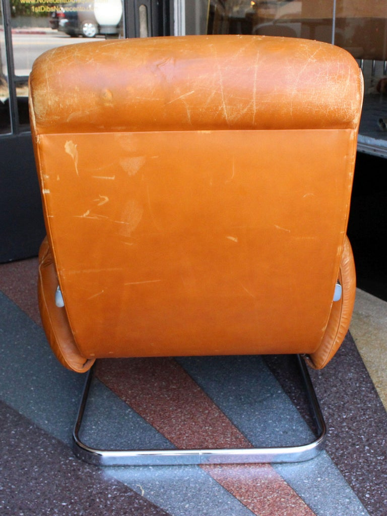 Mid-Century Modern Italian Lounge Chair with the Ottoman For Sale