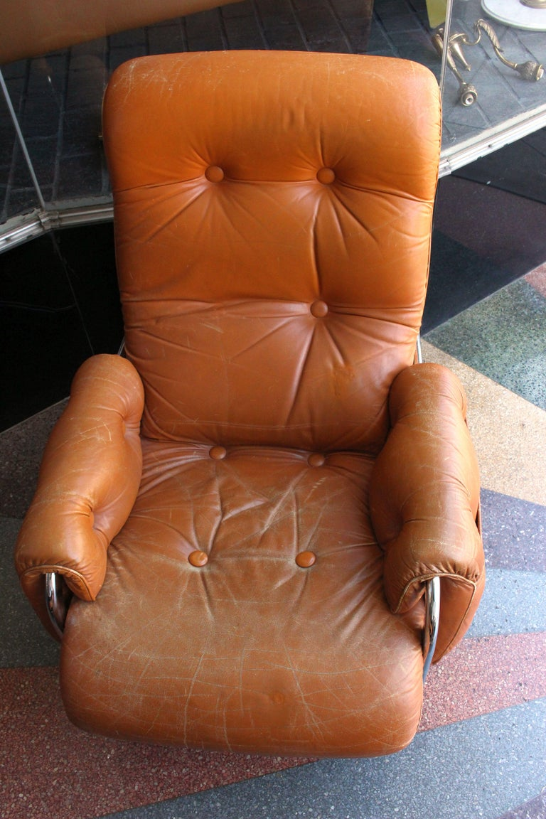 Italian Lounge Chair with the Ottoman In Good Condition For Sale In Los Angeles, CA