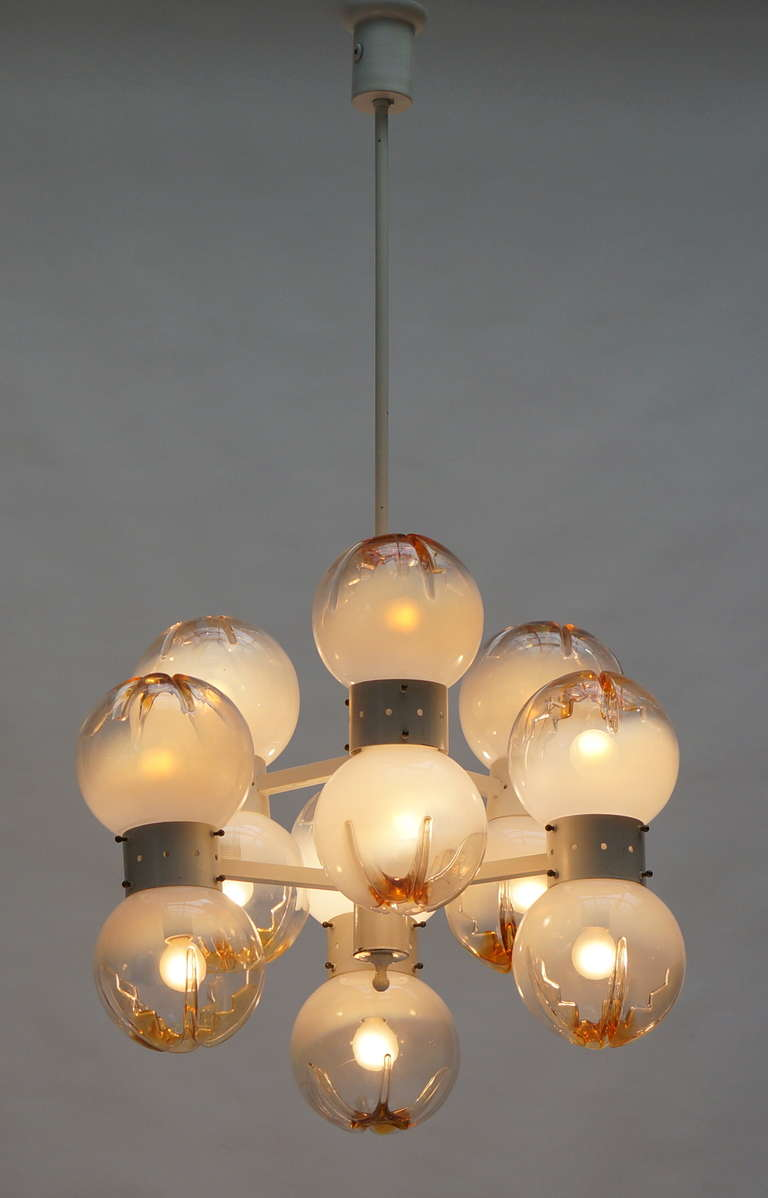 Italian Mazzega Chandelier with 12 Globes For Sale 1