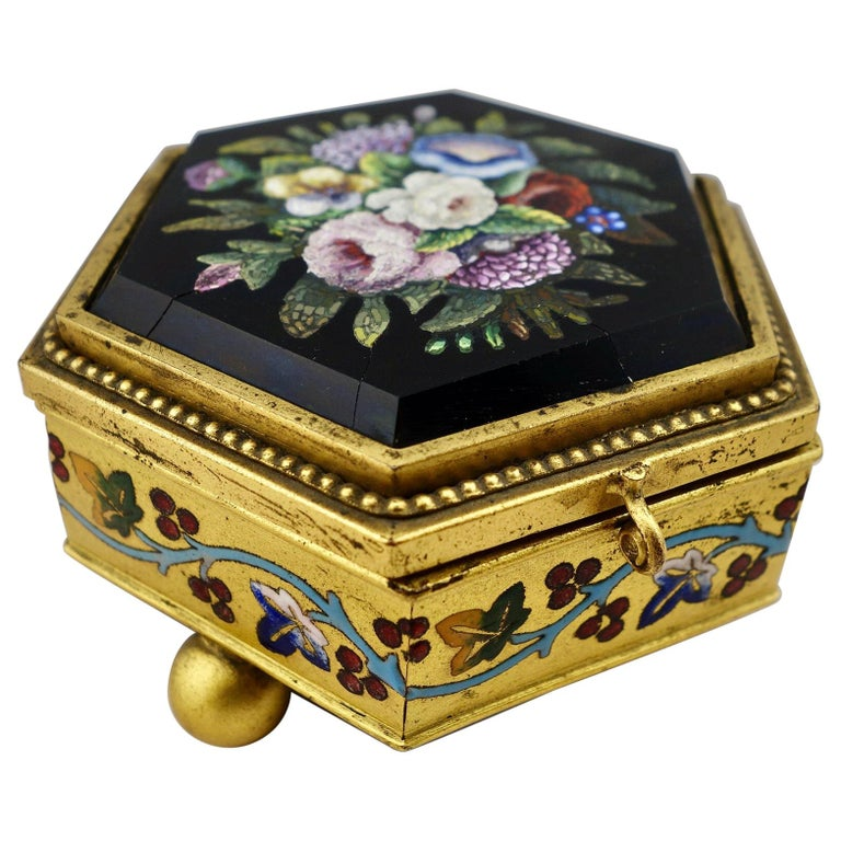 Italian Micromosaic Hexagonal Box by Roccheggiani Workshop, Rome, 1880s For Sale