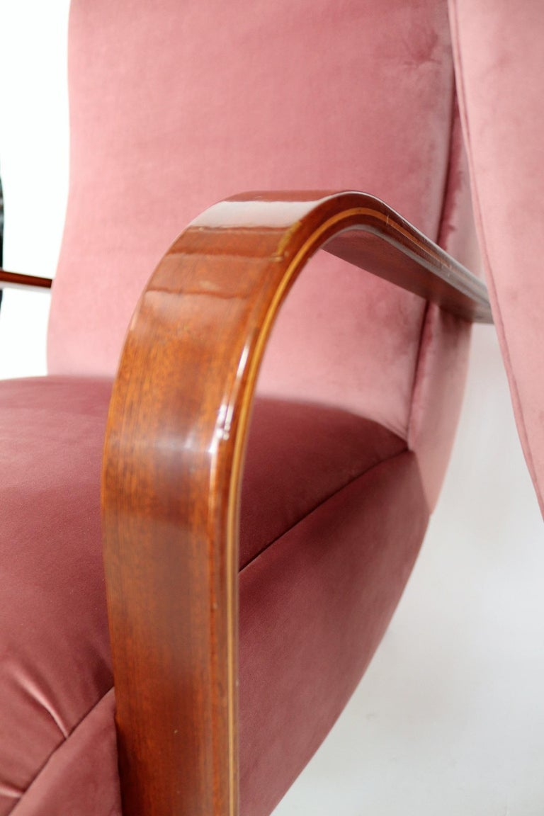 Italian Midcentury Armchairs in Mahogany, Brass and Coral Red Velvet, 1950s For Sale 10