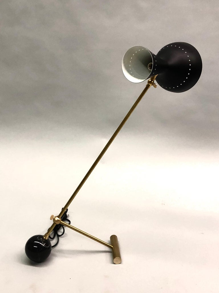 20th Century Italian Midcentury Brass Articulating and Counter-Balance Desk Lamp, Arredoluce For Sale