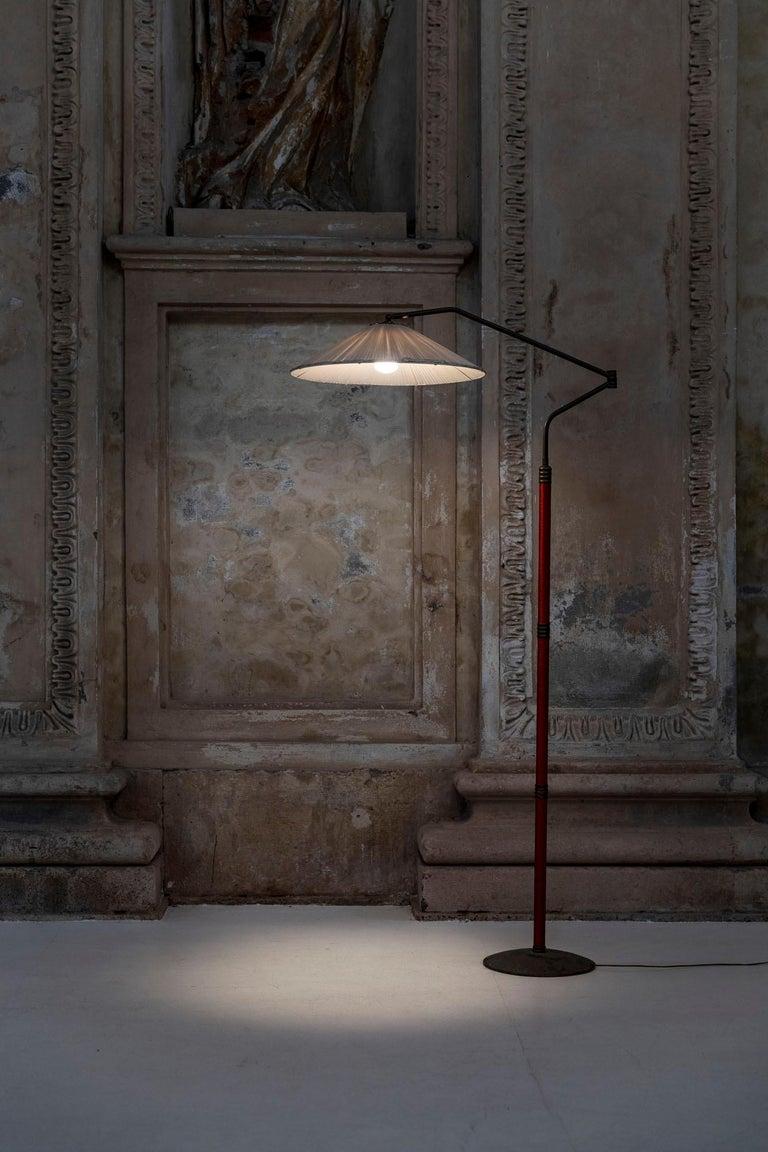 Italian Mid-Century Brass Floor Lamp In Excellent Condition In Carpaneto Piacentino, Italy