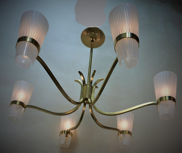 Italian Midcentury Bronze and Glass Chandelier For Sale 4