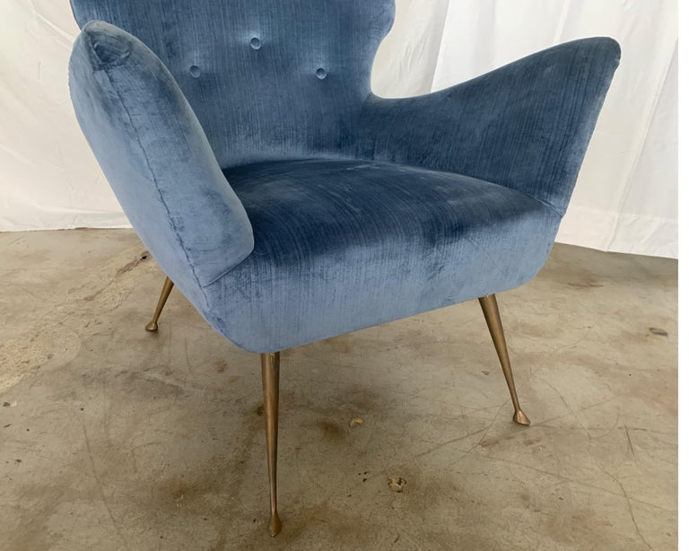 Italian Midcentury Chair with Blue Velvet Upholstery In Good Condition For Sale In Houston, TX