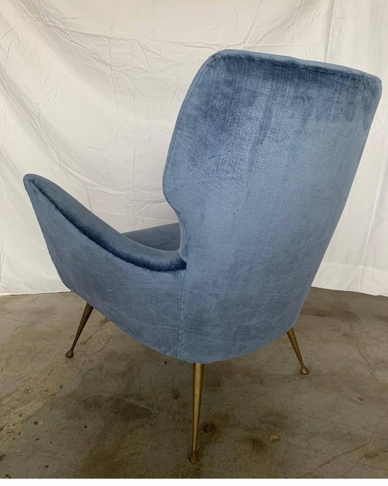 Italian Midcentury Chair with Blue Velvet Upholstery For Sale 2