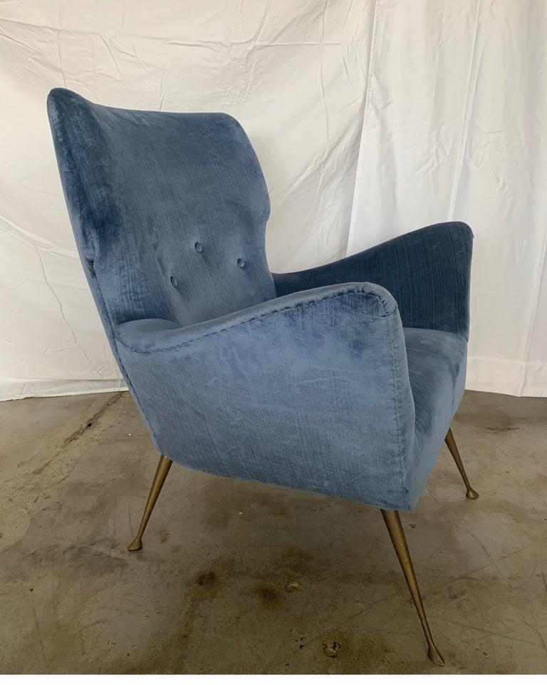Italian Midcentury Chair with Blue Velvet Upholstery For Sale 3