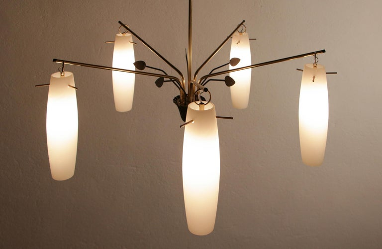 Italian Mid-Century Chandelier by Stilnovo Fashion House, 1960s In Good Condition For Sale In Traversetolo, IT