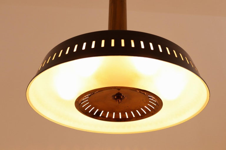 Italian Midcentury Chandelier Mod, #1157 in Brass and Glass by Stilnovo, 1950s For Sale 1