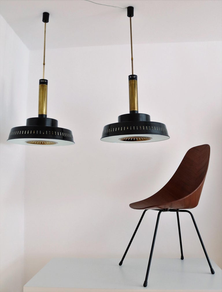Italian Midcentury Chandelier Mod, #1157 in Brass and Glass by Stilnovo, 1950s For Sale 2