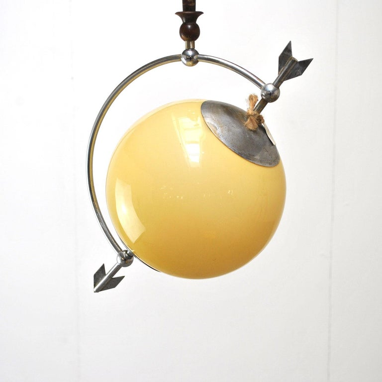 In a style of Saturno model of Pietro Chiesa chandelier.