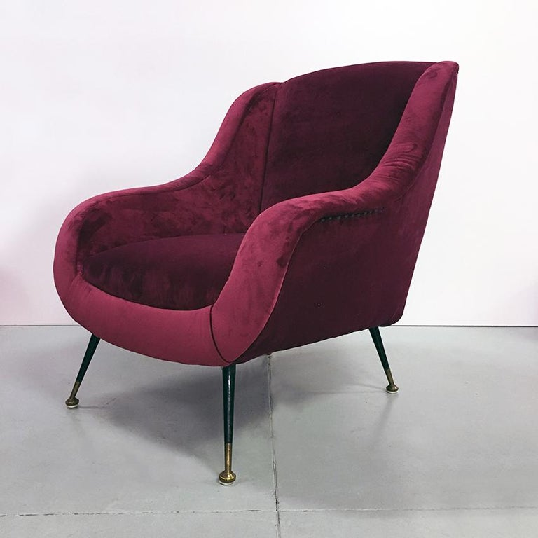 Italian Midcentury Cherry Red Velvet and Brass Armchairs, 1950s In Good Condition For Sale In MIlano, IT