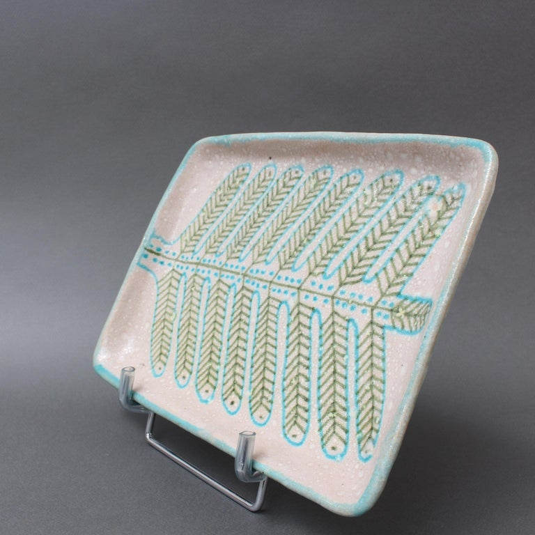 Hand-Painted Italian Midcentury Decorative Ceramic Tray by Guido Gambone 'circa 1950s' For Sale