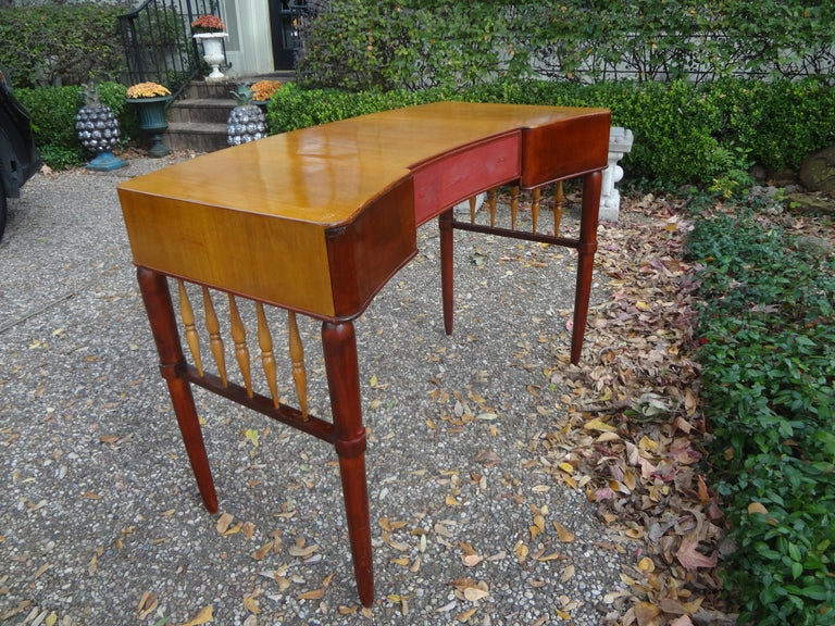 Italian Midcentury Desk Attributed to Paolo Buffa For Sale 4