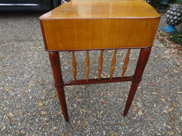 Italian Midcentury Desk Attributed to Paolo Buffa In Good Condition For Sale In Houston, TX