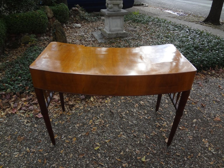 Italian Midcentury Desk Attributed to Paolo Buffa For Sale 1