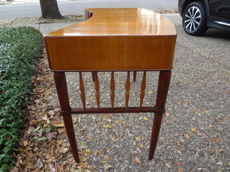 Italian Midcentury Desk Attributed to Paolo Buffa For Sale 2