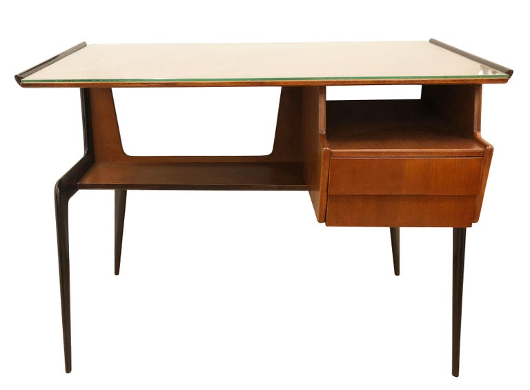 Italian Midcentury Desk in the Manner of Silvio Cavatorta In Good Condition For Sale In New York, NY