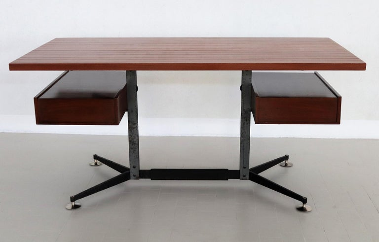 Italian Midcentury Executive Desk in Mahogany, 1960s For Sale 13