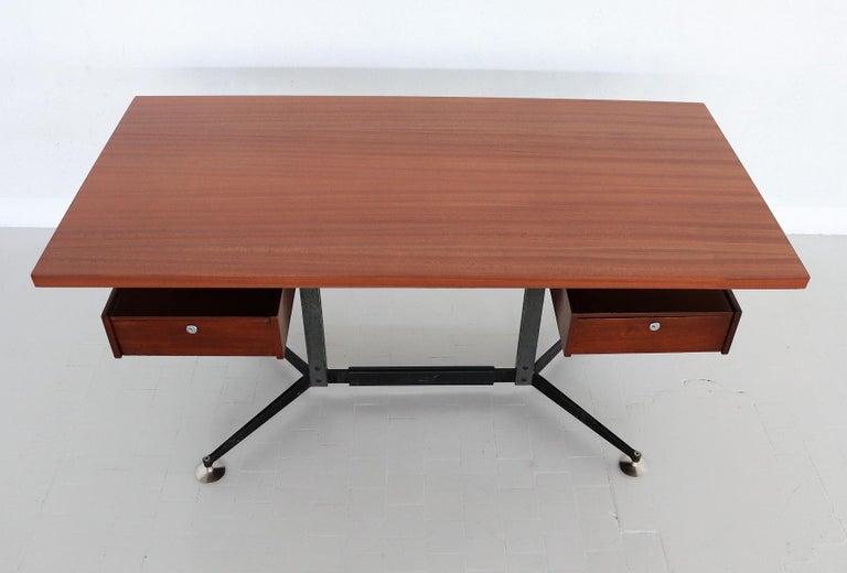 Italian Midcentury Executive Desk in Mahogany, 1960s For Sale 14
