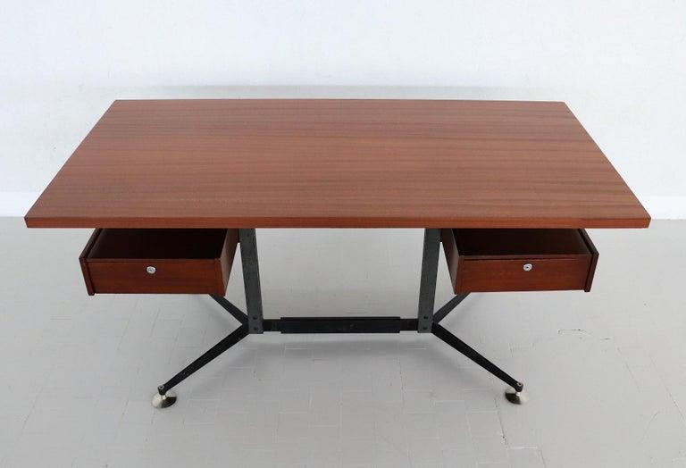 Mid-20th Century Italian Midcentury Executive Desk in Mahogany, 1960s For Sale