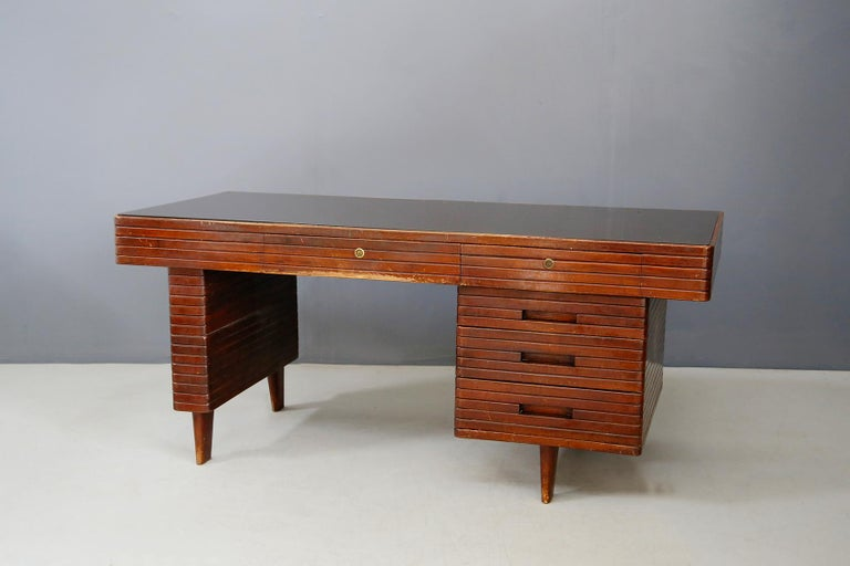 Mid-Century Modern Italian Midcentury Grissinata Desk Attributed to Gio Ponti in Walnut, 1950s For Sale