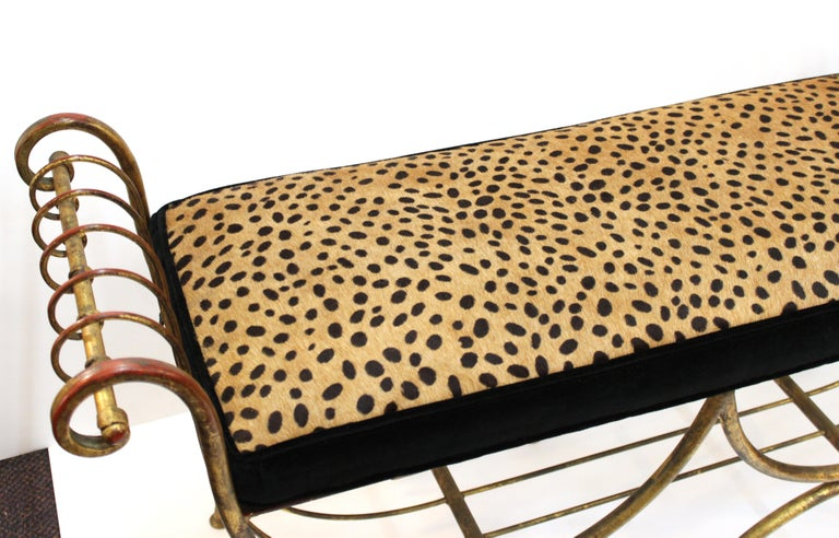 Italian Mid-Century Modern Bench in Gilt Iron with Faux Leopard Leather Seat For Sale 2