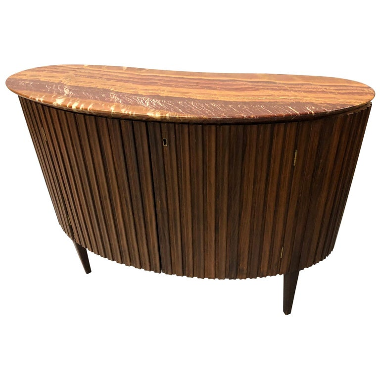 Italian Mid-Century Modern Credenza / Console / Sideboard/ Bar by Paolo Buffa For Sale