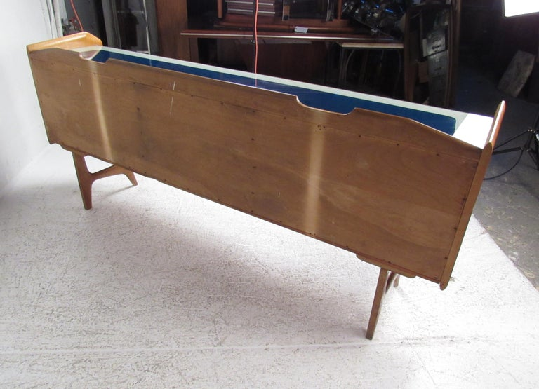 Late 20th Century Italian Mid-Century Modern Credenza For Sale