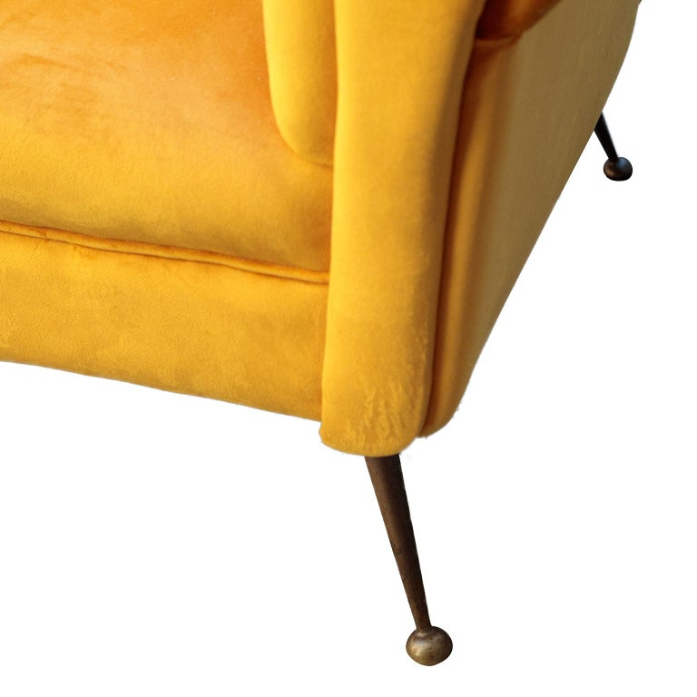 Italian Mid-Century Modern Curved Sofa and 2 Armchairs by ISA Bergamo For Sale 4