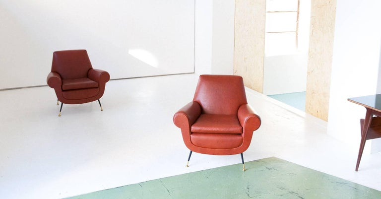 Italian Mid-Century Modern Faux Leather Armchairs by Gigi Radice for Minotti In Good Condition For Sale In Rome, IT