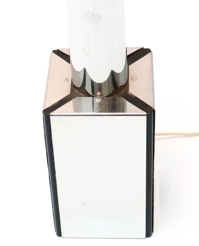 Italian Mid-Century Modern Floor Lamp Attributed to Toni Zuccheri, 1970s For Sale 5