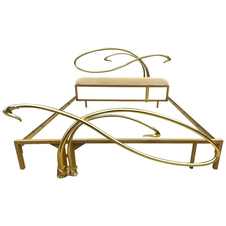 Italian Mid-Century Modern Hollywood Regency Brass King Size Bed with Headboard For Sale