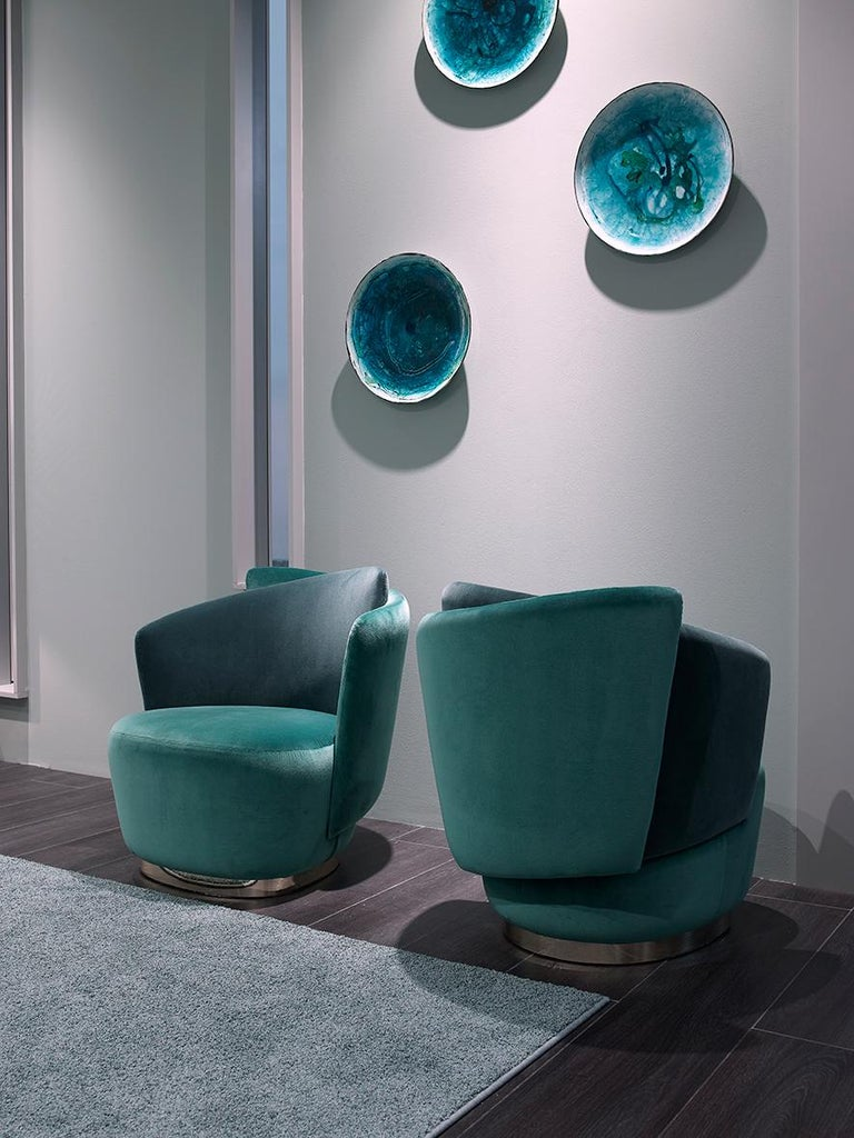 Italian Mid-Century Modern Inspired Armchair In New Condition For Sale In New York, NY