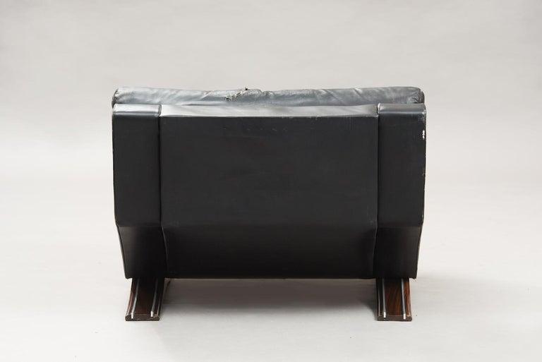 Mid-20th Century Italian Mid-Century Modern Large Armchair For Sale