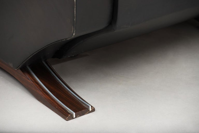 Italian Mid-Century Modern Large Armchair For Sale 1
