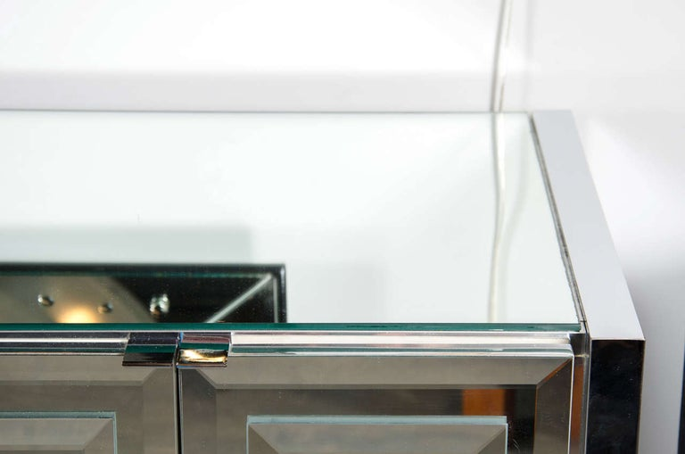 Late 20th Century Italian Mid-Century Modern Mirrored and Chrome