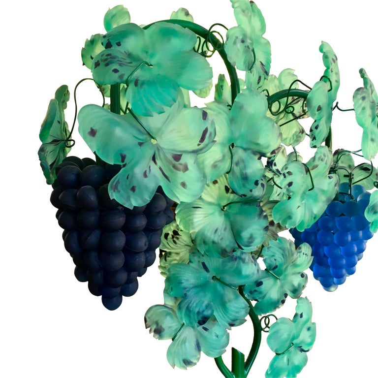 Italian Mid-Century Modern Murano art glass grape and leaf table lamp