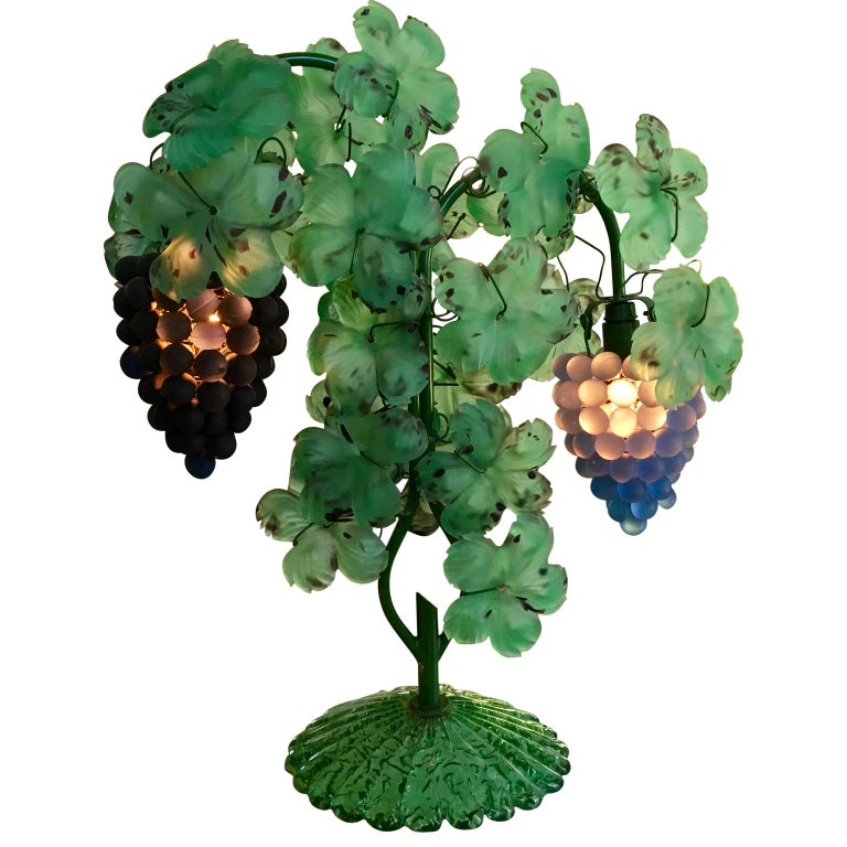 Italian Mid-Century Modern Murano Art Glass Grape and Leaf Table Lamp In Good Condition For Sale In Haddonfield, NJ