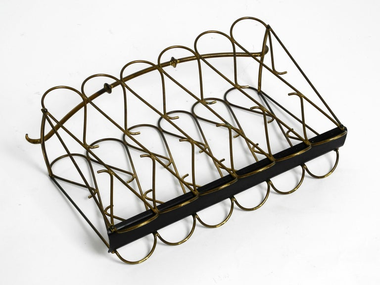 Italian Mid-Century Modern Newspaper and Magazine Rack Made of Brass For Sale 5